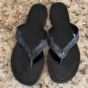 Coach Shelly black flip flop sandals 10 EUC